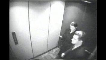 Mamando Verga al Jefe en el Elevador http://mixdeseo.blogspot.mx/