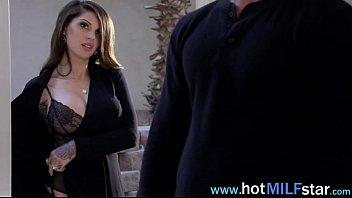Acting Like A Star Hot Milf Enjoy Intercorse vid-04