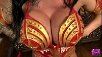 KERRY LOUISE COSPLAYS AS WONDERWOMAN AND WONDERS WHO TO FUCK - BigCams.net