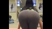 SUPER HOT ASS GIRL IN THE GYM - http://adf.ly/1S5iAA