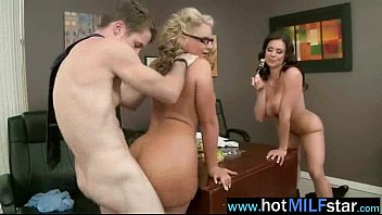 Sexy Mature Lady (kendra phoenix) Ride Hard Long Cock On Sex Tape mov-18