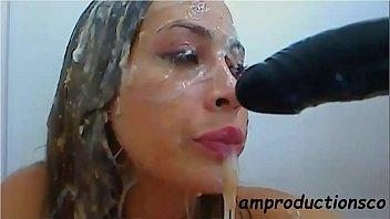 Zaira, latina webcam model shows no pain.