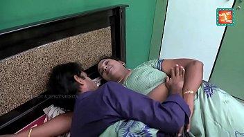 saree aunty seducing and flashing to TV repair boy .MOV