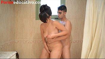 Nikki Little y Miquel Duque tienen sexo en la ducha detrás de las cámaras