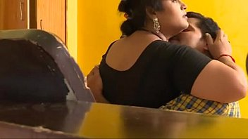 Mallu indian babhi and young boy Sex captured by Room boy