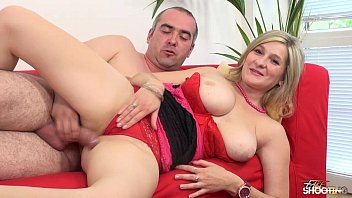 Teen gets her cherry popped at a Fake casting with Wendy Moon