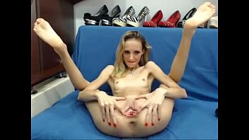 Skinny Teen Masturbate on Webcam live at FAQcams.com