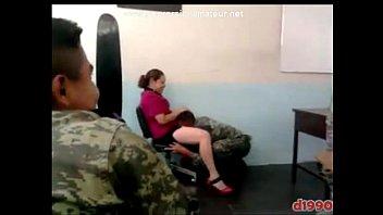 cadetes se la maman a la maestra