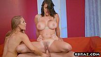 Two of the best pornstars of right now in a threesome