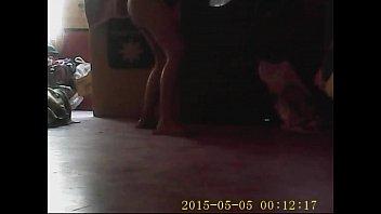 Mi cuñada desnuda en su cuarto