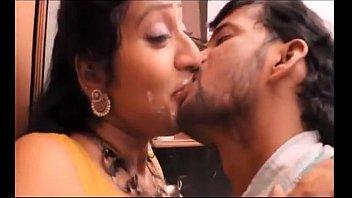 Telugu Siri Priya kiss