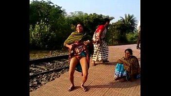 Village Girls  Fuck in Field