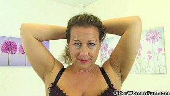 British milf Eva Jayne needs that stuffed feeling