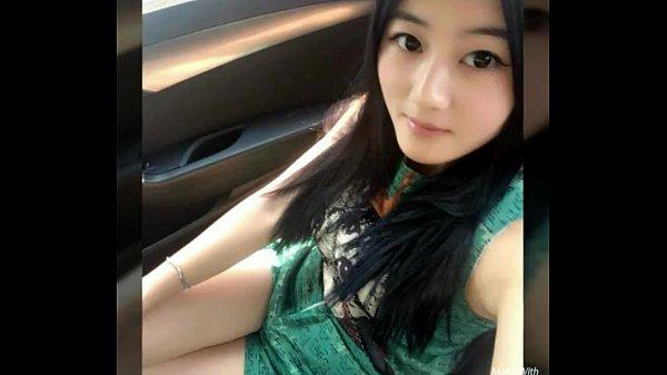 Pretty Young Singaporean Girl Got a Facial