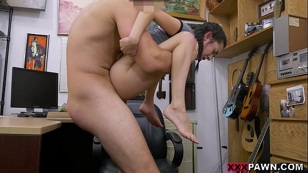 Desperate Girl Kiley Jay Visits XXXPawn for Some Easy Money (xp15774)