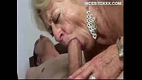 Nieto follando con su abuela
