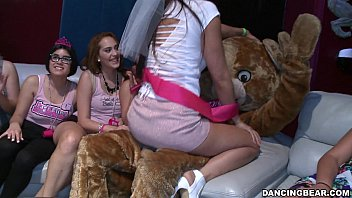 Bachelorette Party Goes Crazy For the Bear! (db14088)