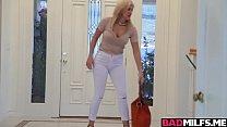 Blonde Milf Savana shares a big cock with Emma