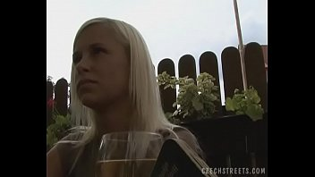 Superb Nature Blonde Gives a Head on Public