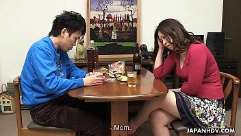 Ataru eating his mom's soaking wet pussy