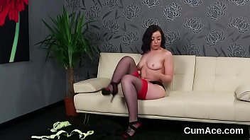 Slutty model gets cum shot on her face swallowing all the jism