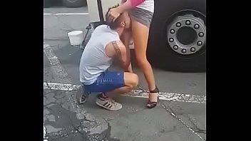 Caminhoneiros chupando a buceta