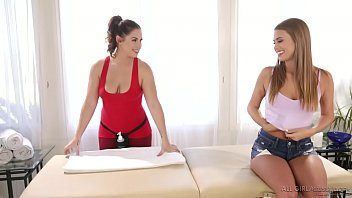 Jill Kassidy enjoys nasty massage with her ex-teacher