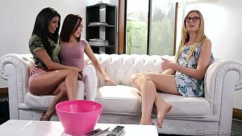 Hot teens tag-teamed the babysitter - Veronica Rodriguez, Jenna Sativa & Alexa