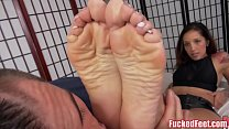 Cute Teen Stefania Mafra Gives Amazing Footjob!