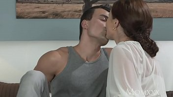 MOM y. boy fucks older housewife in the ass