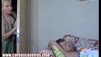 Tia Gostosa Assediando O Sobrinho Inocente - www.coroascaseiras.club
