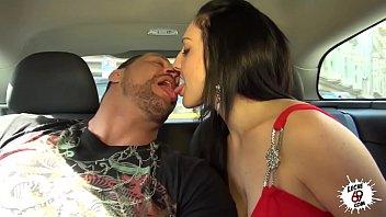 Del Taxi A La Cama