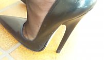 Mom Gets Home and Puts on 7 Inch Heels. See pt2 at goddessheelsonline.co.uk