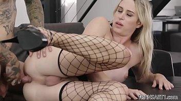 Beautiful blonde Nikki Vicious