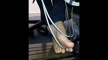 Cams4free.net - Candid Feet in Library Under Desk