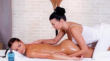 RELAXXXED - Nice European dyke massage in the sauna with Lucy Li