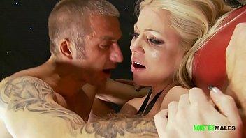 Big dick muscled stud Jamie Barry fucks big tits blonde Cindy