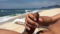 Roludo da Barra ficou cheio de tesão na praia