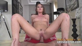 Beauty contestant Sybil opens up and fucks POV