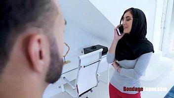 Slutty stepsister in hijab gets what she DESERVES