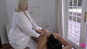 LACEYSTARR - Lesbian Massage with Amyka Lee 10 min