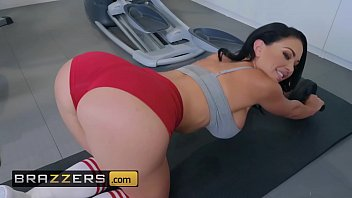 Big Wet Butts - (Brooke Beretta, Keiran Lee) - Workout Sex Club - Brazzers