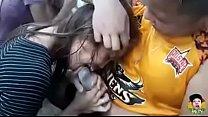 chico y chica de taiwan teniendo sexo oral en grupo