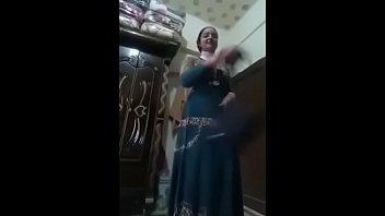 تكلم صحبها مسنجر فديو وتضرب سبعه ونص وي يصورها كامل من هنا/bit.ly/32KI4B5