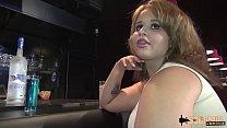 Lana et Eliana deux belles salope baisées dans un bar