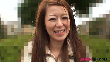 Cute japanese MILF Mai Katagiri missionary sex