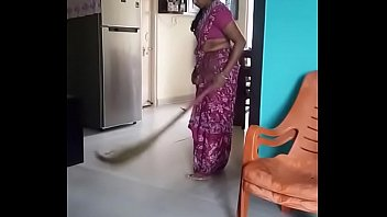 my desi sexy athai and her hip fold