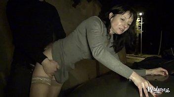 Monica, une mature à la vie très sexuelle