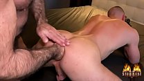 John Thomas gets extreme fisted by Joey Jordan for studfist