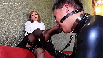 AB022 Beauty tranny Dominate guy and cum